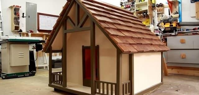Có nhiều mẫu chuồng cho chó bằng gỗ thiết kế giống như ngôi nhà mini của bạn với nhiều mẫu mã đẹp và mang tính thẩm mỹ cao