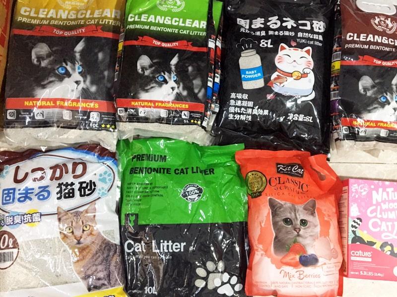 Cát vệ sinh cho mèo gồm nhiều loại khác nhau