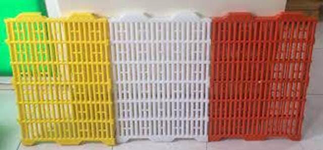 Tấm nhựa lót chuồng chó 40 x 60 cao cấp