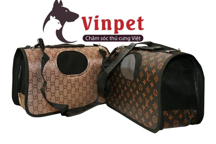 Túi vận chuyển chó mèo có nhiều kích cỡ màu sắc khác nhau