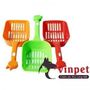 Xẻng xúc phân chó mèo là loại phụ kiện chuyên dụng lọc bỏ phân thải và giữ lại phần cát vệ sinh còn sử dụng được